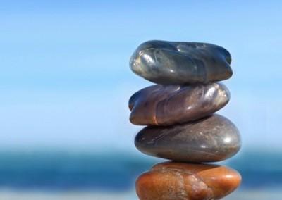 4 Steine Titel klein