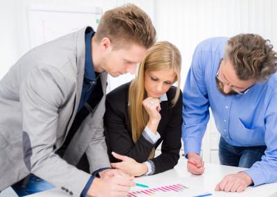 teamwork bei der planung eines neuen projektes